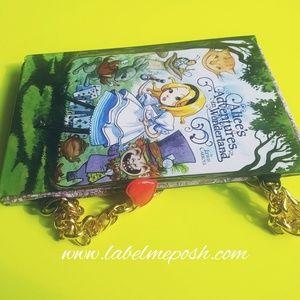 📗👜Alice's adventures in Wonderland book purse